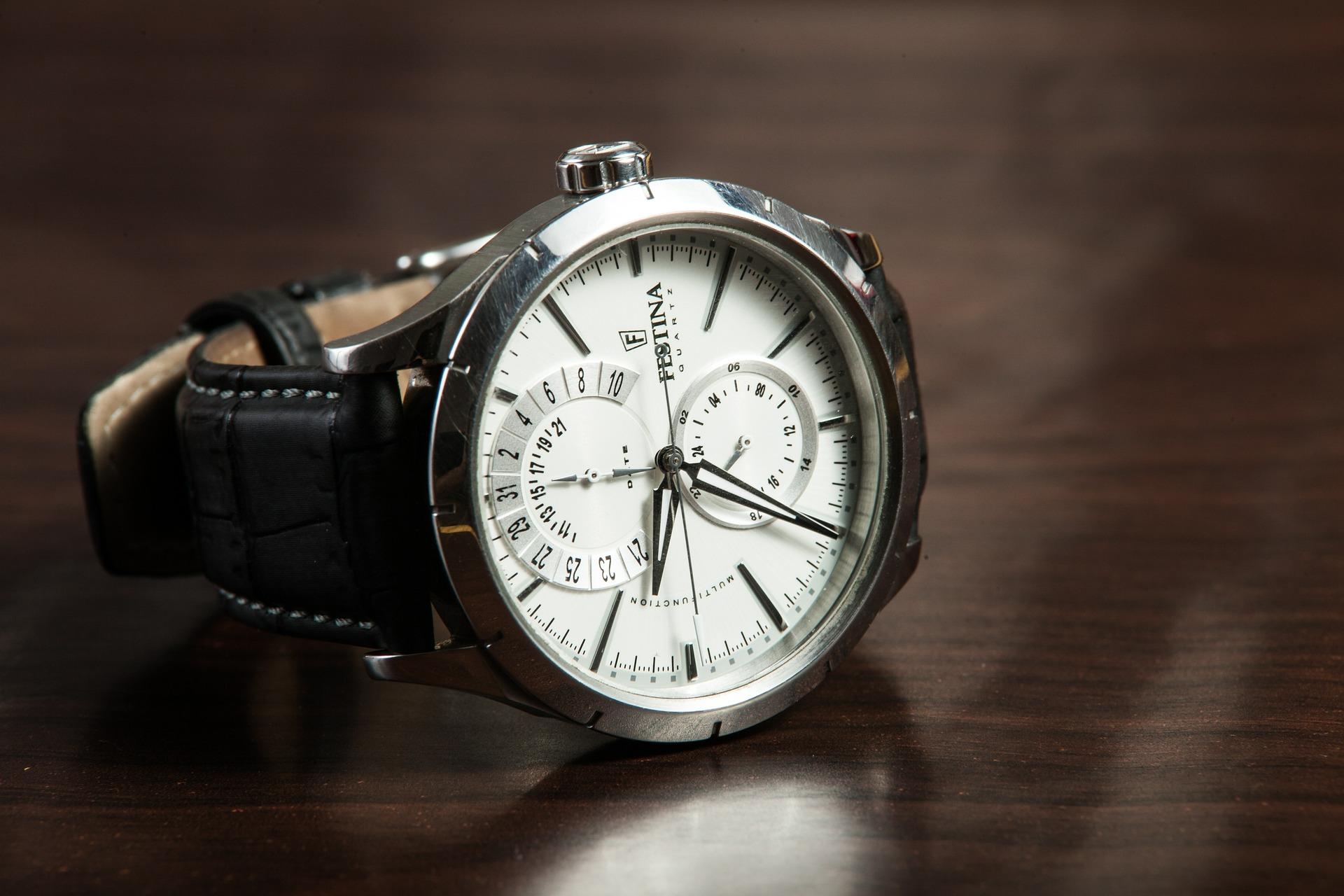 wristwatch 407096 1920